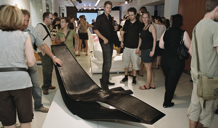 Ausstellung Zumtobel, Christoph Fraundorfer, Rocking Chair, Schaukelstuhl, Carbon Liege, fibre glass design furniture, sichtkarbon